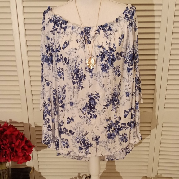 c0604c9f74224 Time and Tru off the shoulder peasant blouse. NWT.